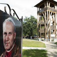 Felavatták a II. János Pál pápáról elnevezett teret Máriapócson