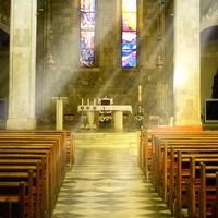 Ha menekülnél a kánikula elől: irány a templom!