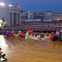 Isten éltet, Ferenc pápa!
