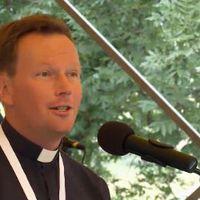 Fábry Kornél: pap vagyok, néha én is táncra perdülök