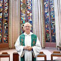 Három évtized után hagyja el a papi szolgálatot