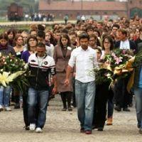 Közös imádsággal emlékeznek a romagyilkosságok áldozataira