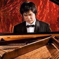 Vakon született, zongoraművész lett