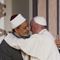 Az erőszak leleplezésére hívta Ferenc pápa az egyiptomi imámot