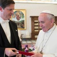 Ferenc pápa a magyarokat jó és bátor embereknek tartja