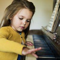 A zenét tanuló fiatalok más tantárgyakból is jobb eredményt érnek el