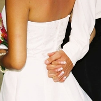 Zuhanórepülésben az egyházi házasságok száma
