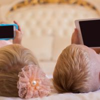 WHO: 2 éves koruk előtt ne nézzenek semmilyen képernyőt passzívan a gyerekek!
