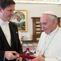Habsburg Eduárd: Keresztény ország vagyunk, ezért segítünk a hittársaknak