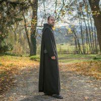 Hogy kerül egy 999 éves szerzetesközösség a Forbes magazinba?