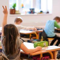 Tényleg több pénzt kapnak az egyházi iskolák, mint az államiak?