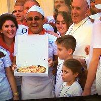 Pizza Teréz anya tiszteletére