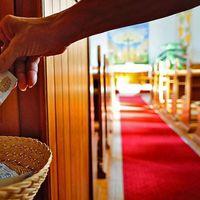 Ferenc pápa karitatív céljaira gyűjtenek vasárnap a katolikus templomokban
