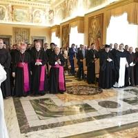 Ferenc pápa: Képmutatók azok a politikusok, akik békéről beszélnek, közben fegyvereket adnak a háborúkhoz