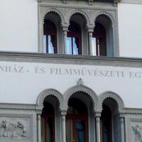 Példát mutat a színművészeti egyetem, egyházi vezetőknek is