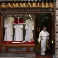 A pápák új ruhája