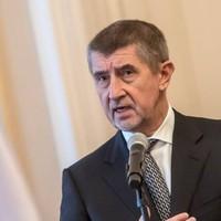 Nem sikerült a cseh kormány megbuktatása