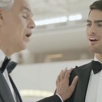 Nézd, hallgasd, érezd át: Andrea Bocelli duettet énekel a fiával!