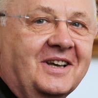 Ternyák Csaba: Le kell győznünk azt a kísértést, hogy az embereket betereljük a templomba