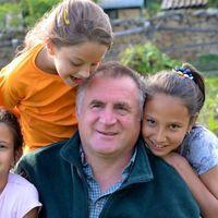 Ferenc pápával találkozott a Vatikánban a Böjte atya vezette gyerekcsapat