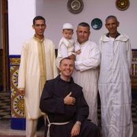 Mindenki pásztorának lenni: keresztényé és muszlimé