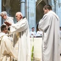 Nem csökkent a papok összlétszáma tavaly hazánkban
