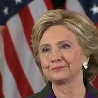 Hillary Clinton Bibliával a kezében veszítette el az elnökválasztást