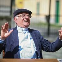 A püspök, aki ember maradt