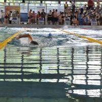 Civilek úsznak jó ügyekért