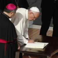 Világnapot alapított Ferenc pápa a szegényeknek