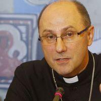 Felfüggesztik a bevándorlóellenes papokat Lengyelországban