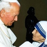 II. János Pál: úgy kellene élnünk, mint te, Teréz anya