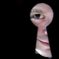 Kitől féltsük a magánszféránkat?
