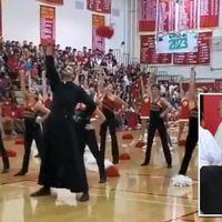 Pompomlányokkal táncolt a katolikus pap (videó)
