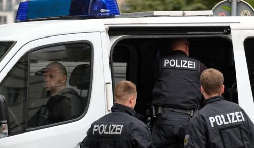 Németország: kitoloncolás, civil tiltakozás - feszültség a rendőrségnél