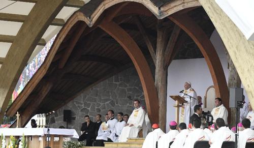 Plébániai kormányzó: a pápának fontos a római és a keleti rítusú katolikusok meglátogatása is