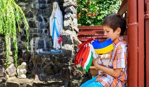 Kápolnát szenteltek fel a kárpátaljai Rát gyermekotthonában