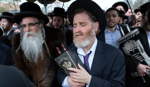 Hétvége: véres támadások zsidó és keresztény ünnepeken