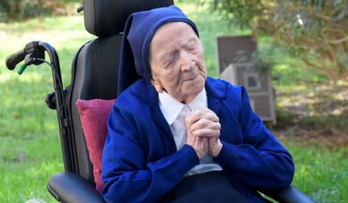 117 éves lett a koronavírust is túlélő André nővér