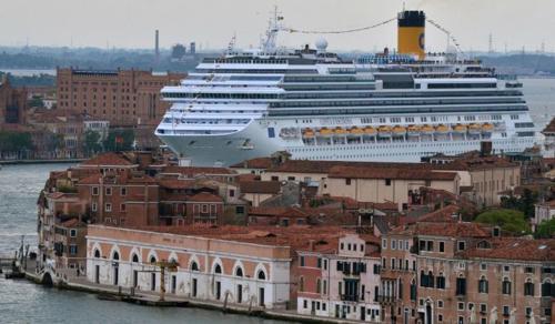 Szeptembertől nem köthetnek ki a nagy tengerjárók Velence történelmi központjában