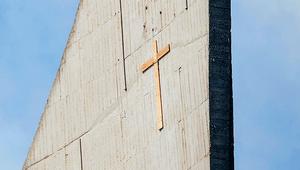 Egy magyar püspök nem nézte tétlenül az egyházgyalázást