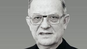Elhunyt Miklósházy Attila püspök