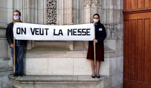 Alaposan megbolygatta a francia hitéletet a járvány