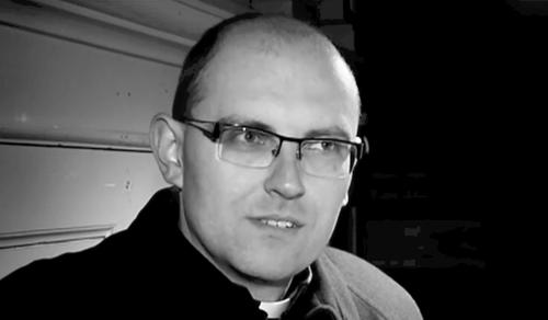 A szívén viselte közössége sorsát a mélybe zuhant pap