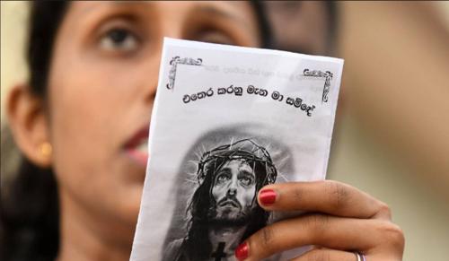 Három katolikus templomban robbantottak húsvét vasárnap Sri Lankán
