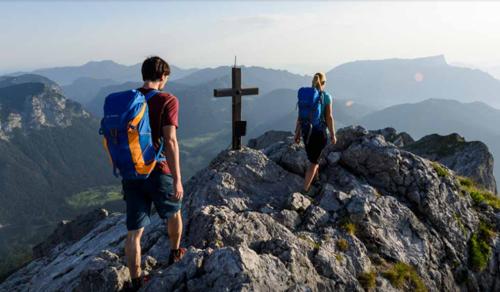 Úton a kereszthez: mi köti össze a hitet és a hegymászást?