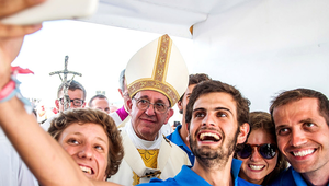 Ferenc pápa: A ti kezetekben van a jövő és a jelen!