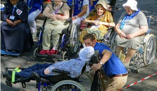 Betegek világnapja: igen az emberre és az életre