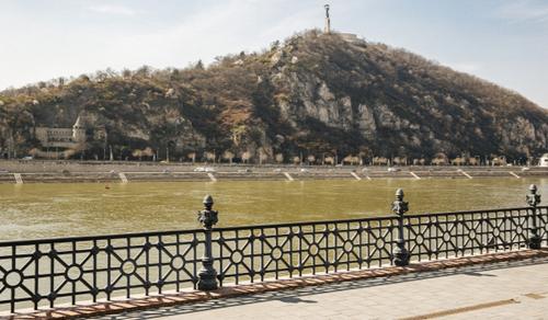 Budapesten csökkent leginkább a kiskereskedelem