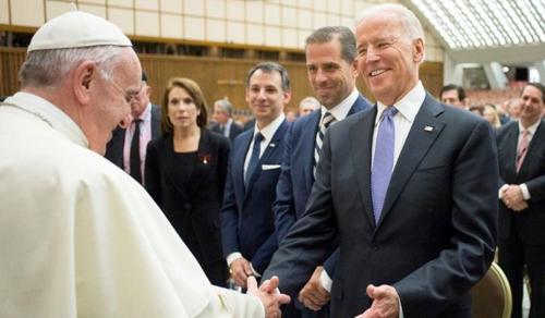 Ferenc pápa is gratulált Joe Bidennek, tisztán zajlott az elnökválasztás